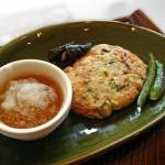 野菜ハンバーグのレシピ、ご飯を入れてボリューム満点!
